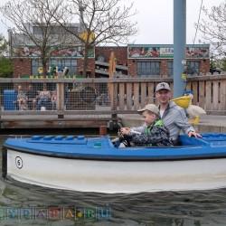 Водные аттракционы очень хороши. Мы всласть потаранили Крейзи маму на нашей лего-лодке!!