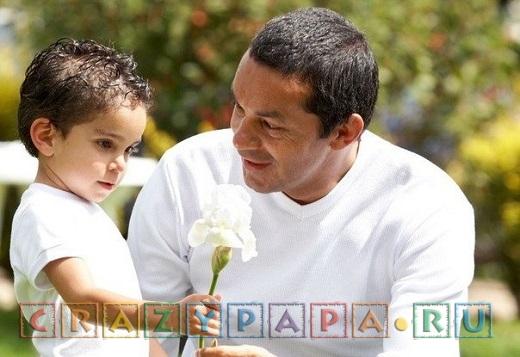 Чем занять ребенка 2-3 лет на прогулке: советы папам