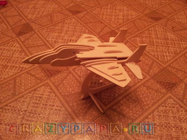 Первая сборка модели самолета из дерева